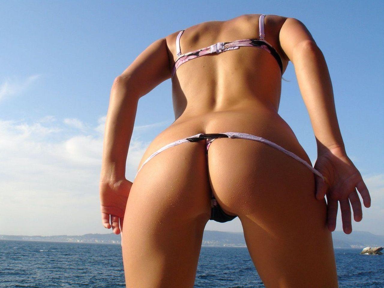 foto-popok-devushek-v-bikini-foto